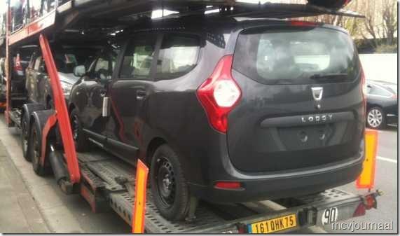Dacia Lodgy onderweg 02