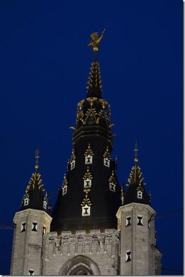 鐘楼(Belfort)風見のドラゴン