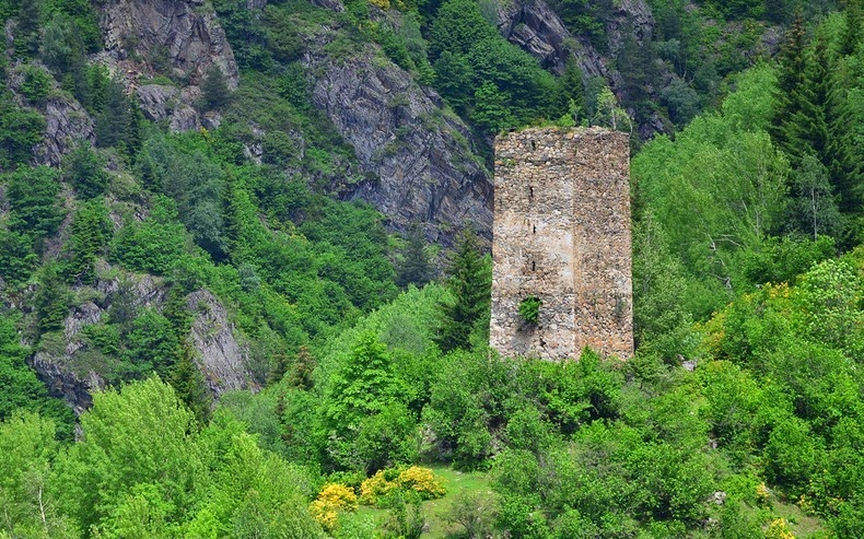 svaneti-towers-3