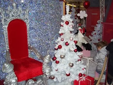 2013.11.15-010 le fauteuil attend le Père Noël