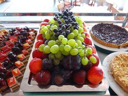 18. Aranjament fructe.JPG