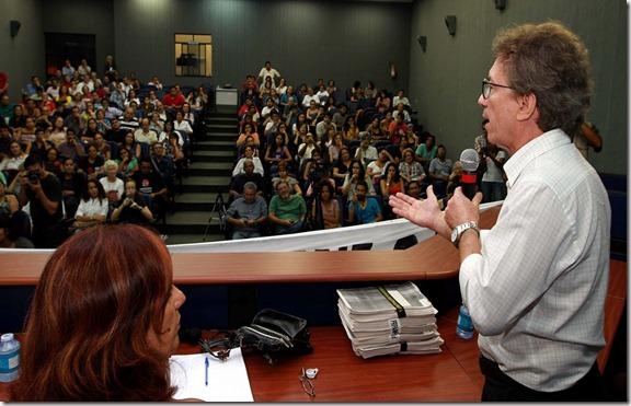 http://diogenesbrandao.blogspot.com/2012/03/lucio-flavio-pinto-recebe-apoio-em-ato.html