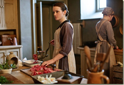 uktv_downton_abbey_s03_e02_22