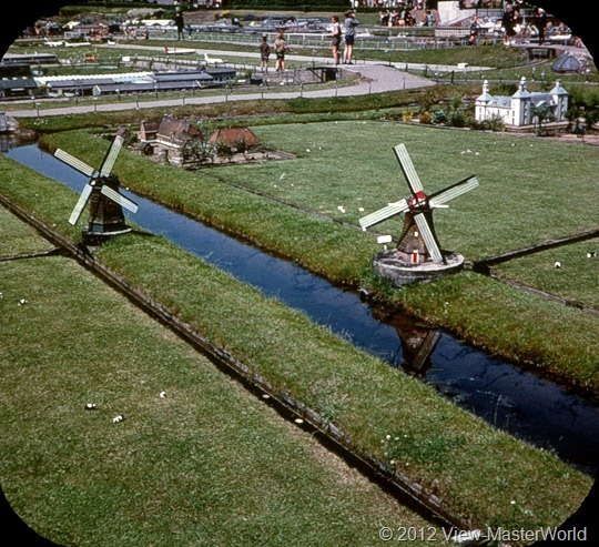View-Master Madurodam (C392), Scene 5: Windmills and Polders