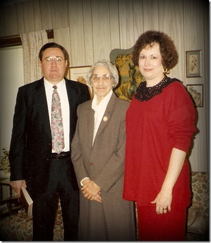 1993 Nov 3 - the day of Daddy Chuck's funeral - Jon, Mama Trudy & LaVon