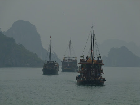 50. in mars spre Halong Bay.JPG