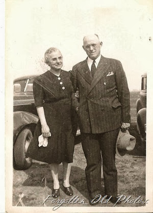 Rev and Mrs Mittag May 10 1942 DL Antiques