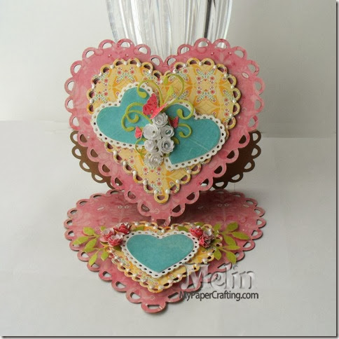 quickutz heart easel card open-480