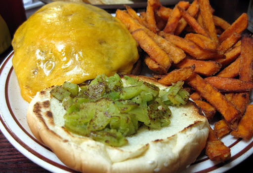 Green Chile Cheeseburger at Monroe's