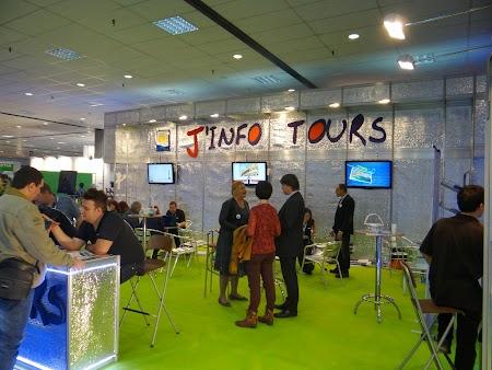 08. J'Info Tours.JPG