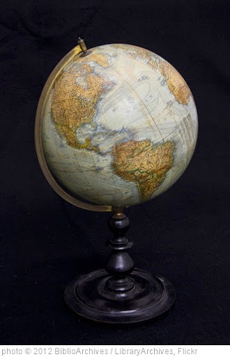 'Globe Terrestre' photo (c) 2012, BiblioArchives / LibraryArchives - license: https://creativecommons.org/licenses/by/2.0/