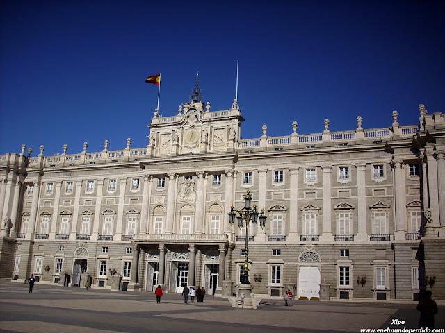 palacio-real-de-oriente-en-madrid.JPG