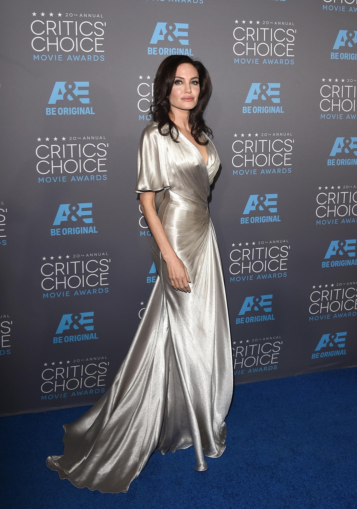 Эволюция стиля: Анджелина Джоли (фото 14)