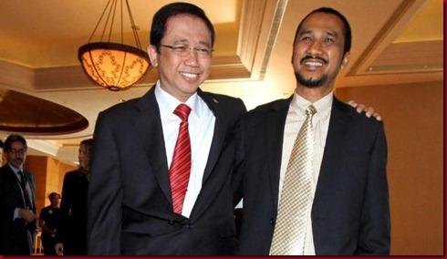 Ketua DPR Marzuki Alie (kiri) mengatakan kasus yang melibatkan anggota