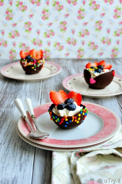 How to Make Edible Chocolate Dessert Bowls with Video Tutorial  http://uTry.it