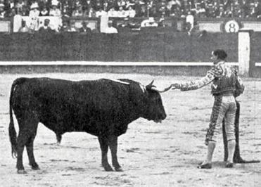 1914-07-03 Mundo grafico (1914-07-08 p) Triunfo de Joselito en Madrid 04