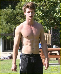 patrick-schwarzenegger-shirtless-run-07