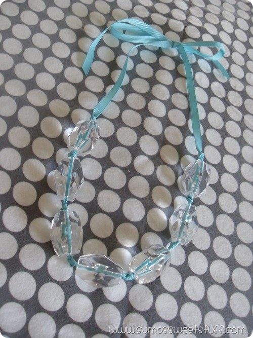 Sumo's Sweet Stuff - Acrylic Bead Necklace - Make this necklace in 20 minutes and for around five bucks!