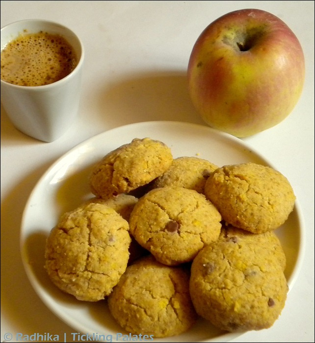 Eggless Oats Almond cookies