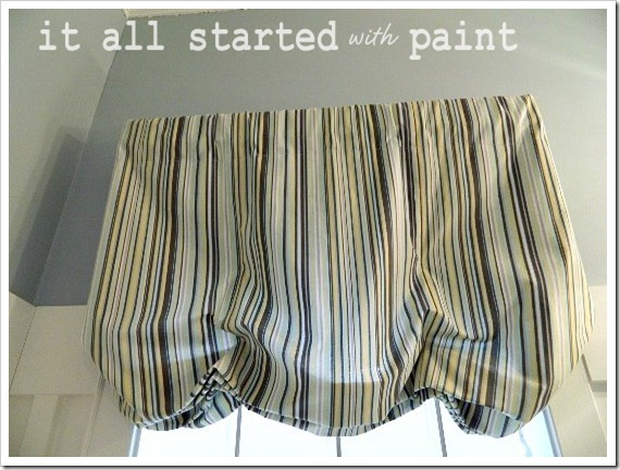 Powder Room Makeover Relaxed Balloon Shade 1