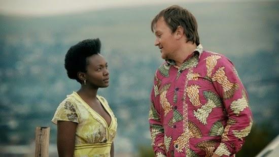 Eduan van Jaarsveldt is Fanie and Zethu Dlomo is Dinky in Fanie Fourie's Lobola