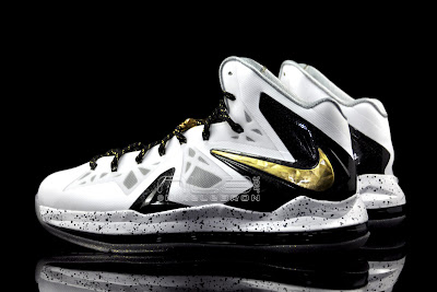 lebron10 ps elite white gold 37 web black The Showcase: Nike LeBron X P.S. Elite+ White & Gold