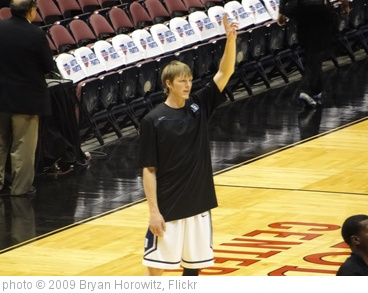 'Kyle Singler' photo (c) 2009, Bryan Horowitz - license: http://creativecommons.org/licenses/by-sa/2.0/