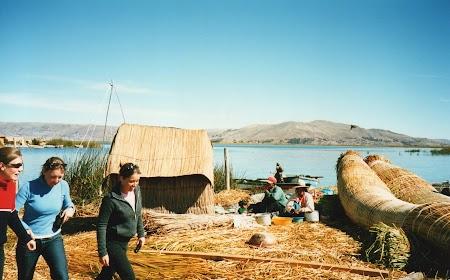09. Insula plutitoare de pe Titicaca.jpg