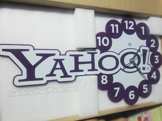 Just Another Pixel's Pasko sa Agosto Giveaway - Win this Yahoo! Wall Clock - JustAnotherPixel.net