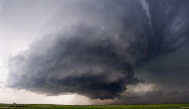 A Vortex 2 rotating supercell severe thunderstorm near Dodge City, Kansas. Photo: Ryan McGinnis