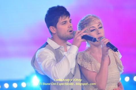 Canta Andy y JOhny.JPG