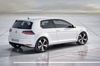 2014-VW-Golf-GTI-2
