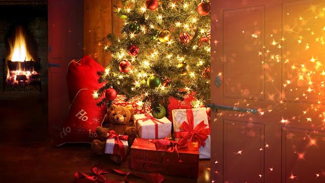 weihnachtsbaum-und-geschenke-wallpapers_31819_2560x1440.jpg