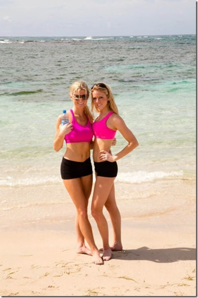 cheerleaders-swimsuits-calendar-23