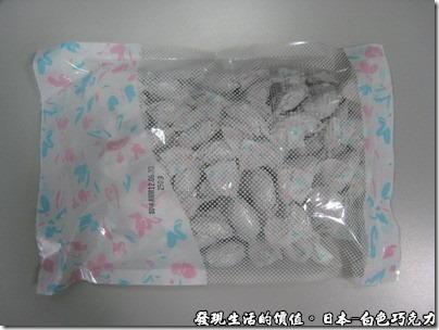 日本-白色巧克力,這是日本「白色巧克力」的包裝,人口眾多的話,買這個也比較可以跟更多的好友分享。
