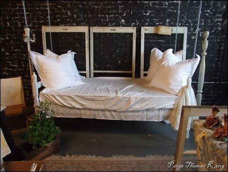 swinging bed