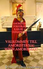 DSC09795 (1) Fredrik med romersk hjälm svärd mantel. Bättrad 2. Med amorism