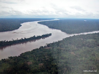 Vue du fleuve Congo, non loin de Kisangani, Province Orientale 2002.