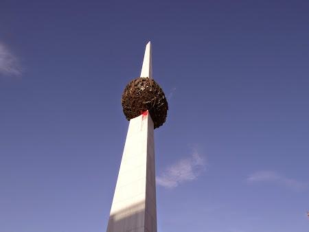 24. Monumentul Revolutiei.JPG