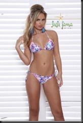 Elisandra-Tomacheski-Bikini-Model3