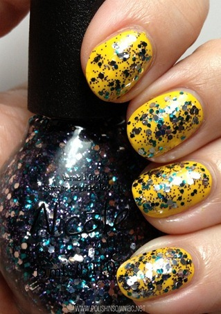 Nicole by OPI Sweet Dreams over Hit The Lights
