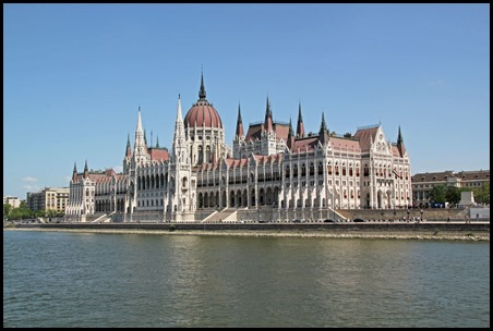 Buda parliament 2_edited-1