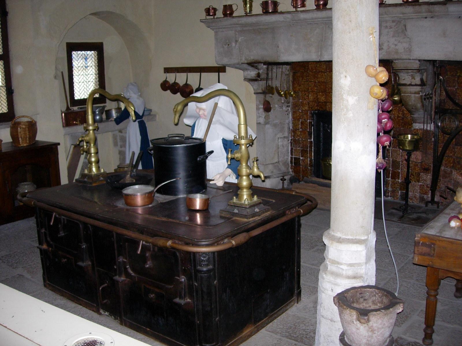 H tel dieu de beaune nicolas79 voyages d couvertes for Cuisine xviiie siecle