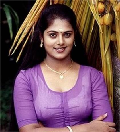 hot malayalam kambi aunty kuliseen photos | kambi kadakal