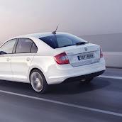 2013-Skoda-Rapid-Sedan-20.jpg