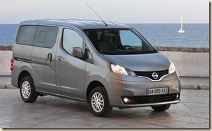 2011-Nissan_NV200_Evalia-01-1600