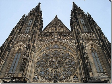front-view-of-st-vitus-cathedral-prague