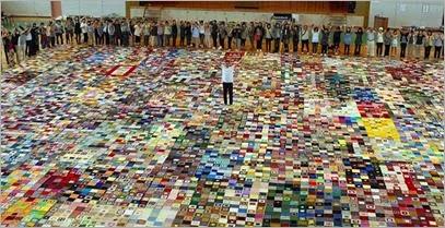 Japão: manta solidária gigante, tecida por vítimas do desastre de 2011, entra para o Livro dos Recordes