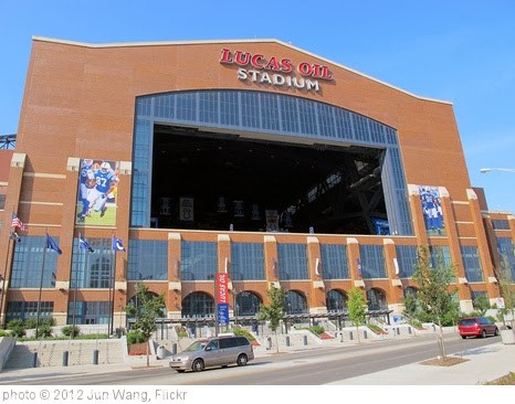 'Lucas Oil Stadium' photo (c) 2012, Jun Wang - license: http://creativecommons.org/licenses/by-sa/2.0/