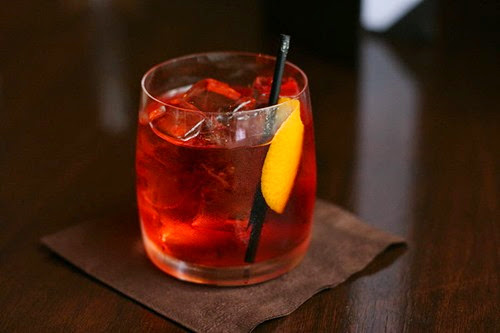 800px-Negroni_served_in_Vancouver_BC